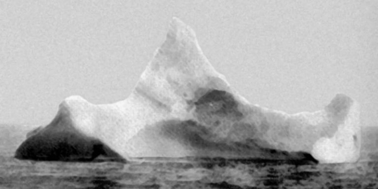 Fotografía del iceberg que hundió al RMS Titanic.