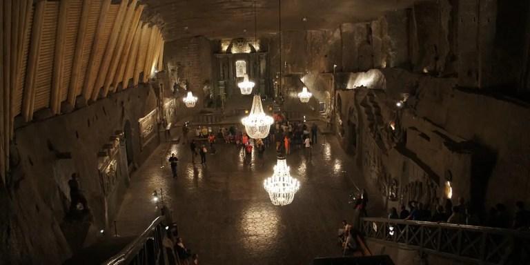 Las surrealistas minas de sal en Polonia, la mina de las esculturas de sal