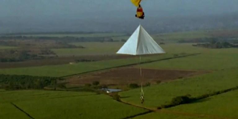 Prototipo real del paracaídas de Leonardo da Vinci.