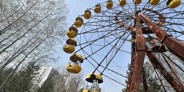 Escalando la rueda de la fortuna de Pripyat, irradiada por Chernobyl