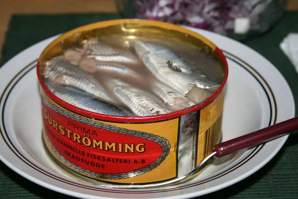 Surströmming, una de las comidas más asquerosas y olorosas del mundo.