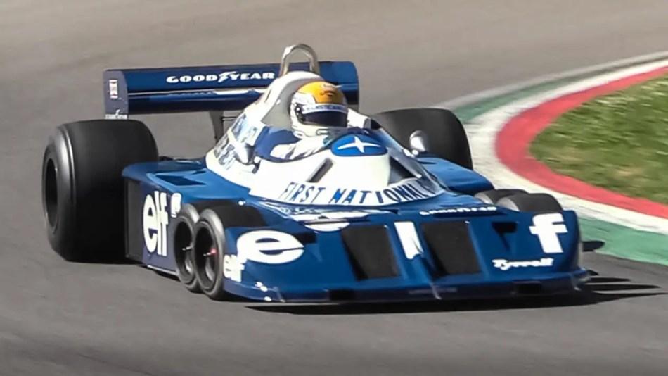 Tyrrell P34, el coche de Fórmula 1 con seis ruedas en el circuito de Imola.