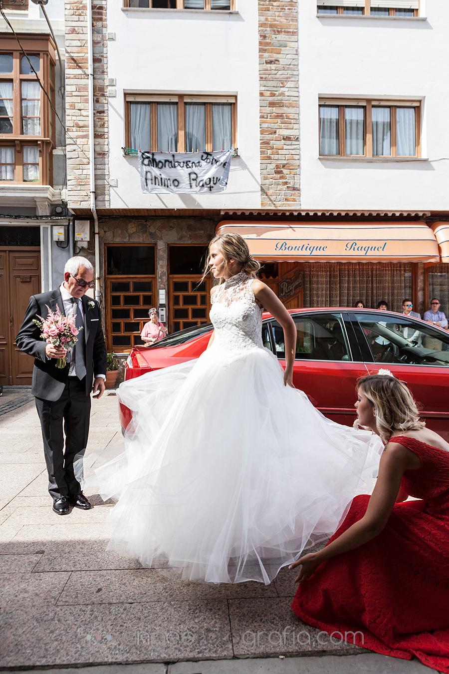 Boda Raquel y Jorge en Luarca Llega la novia