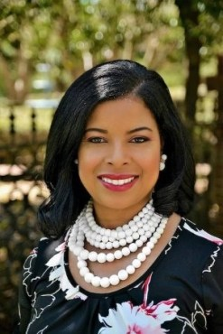 Angela-F-Johnson-Why-You-Need-A-Trave-Agent