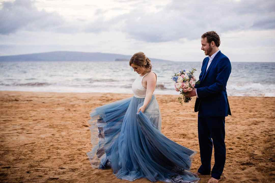 Sweet Beach Elopement in Maui, Hawaii - Maui wedding photographer_0037