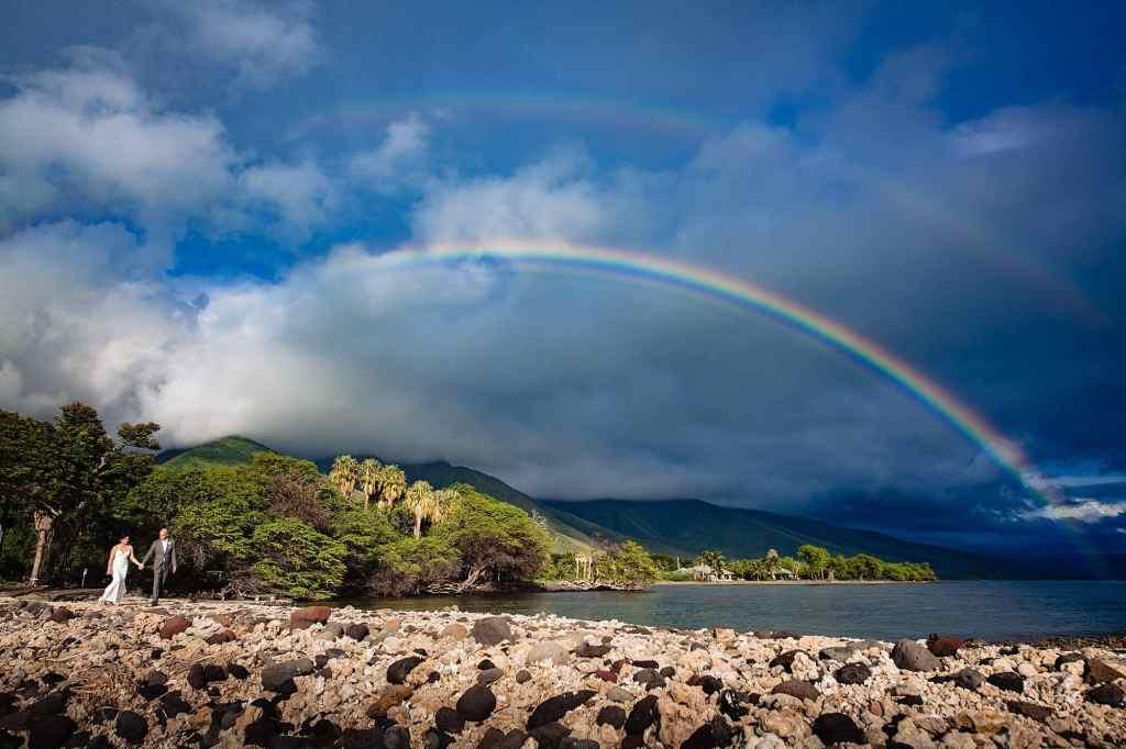 destination wedding at olowalu plantation house with rainbow
