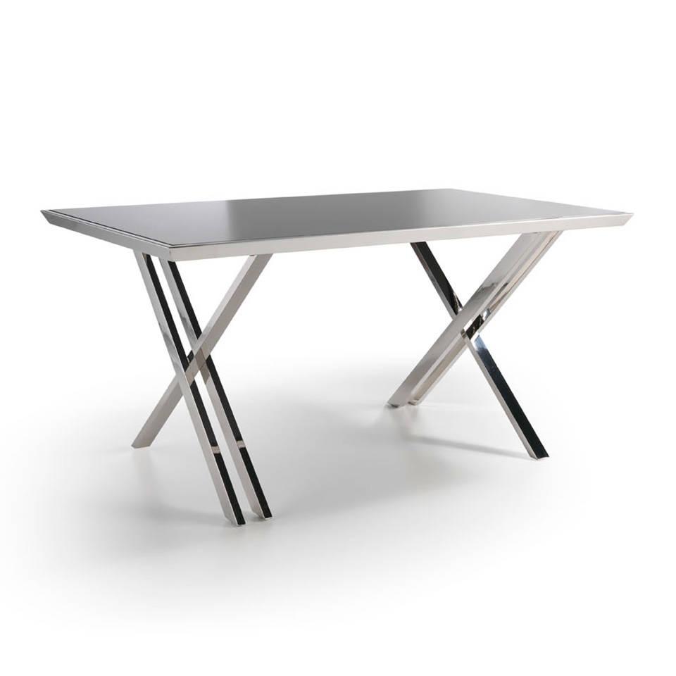es mesa de oficina con estructura de acero inoxidable en office desk with stainless steel frame fr bureau professionnel avec structure en acier
