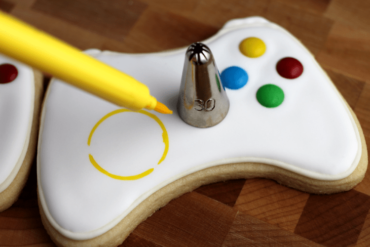 xbox-controller-sugar-cookies-joystick-tracing