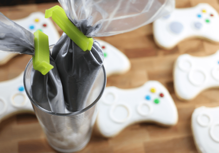 xbox-sugar-cookies-piping-bags