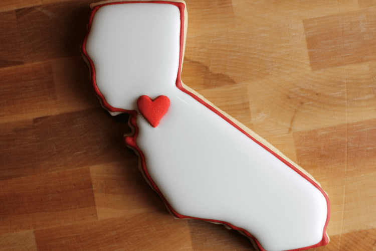 california-shaped-cookie