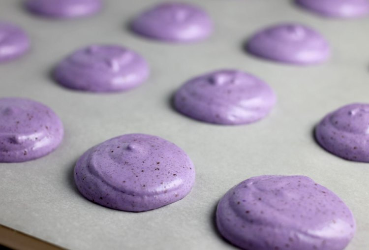 MacaronsPiped