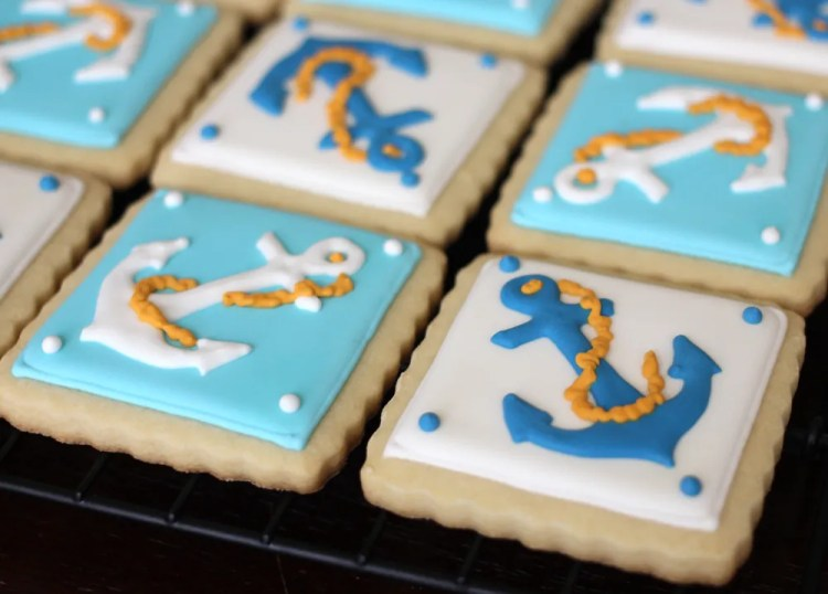 Nautical-cookies-anchor-finished