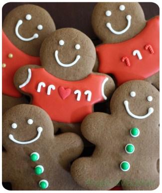 Christmas-Gingerbread-Cookies-01