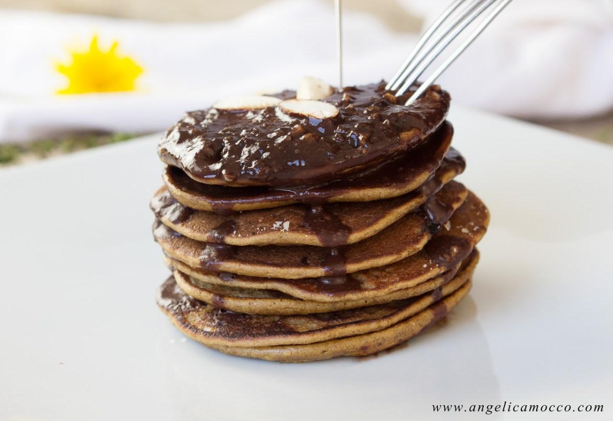Pancake di amaranto dolcificati con melassa