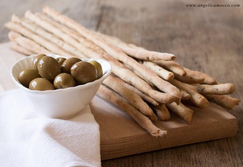 Grissini di amaranto alle olive senza glutine