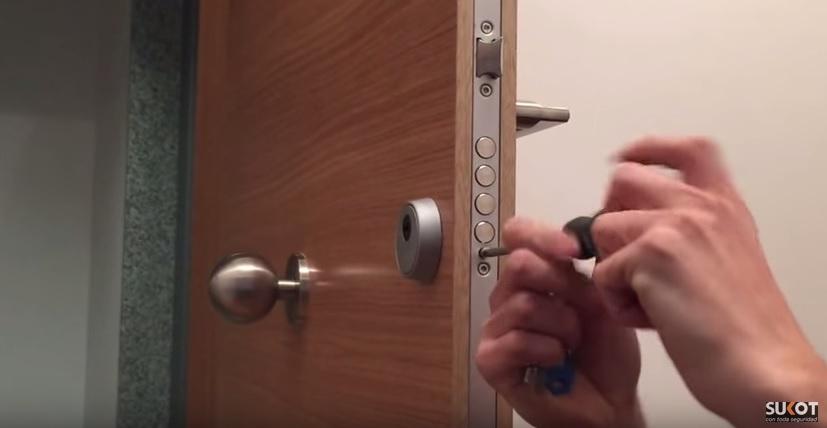 Cuento la puerta sin cerradura