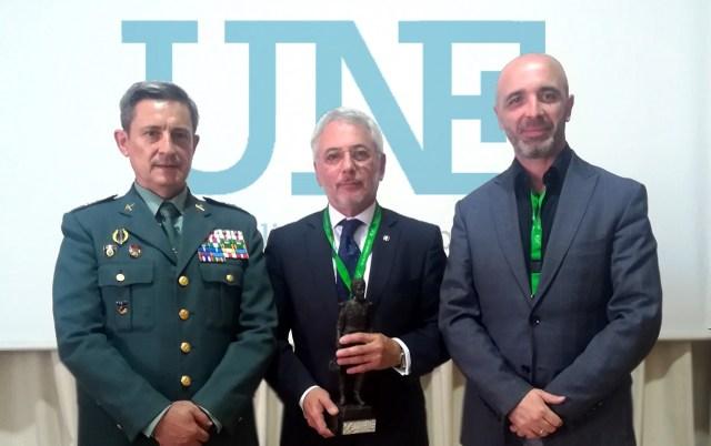 General Cuasante García-Javier Ruiz presidente une 108 y Angel Olleros coordinador UNE 108 accesos perimetrales