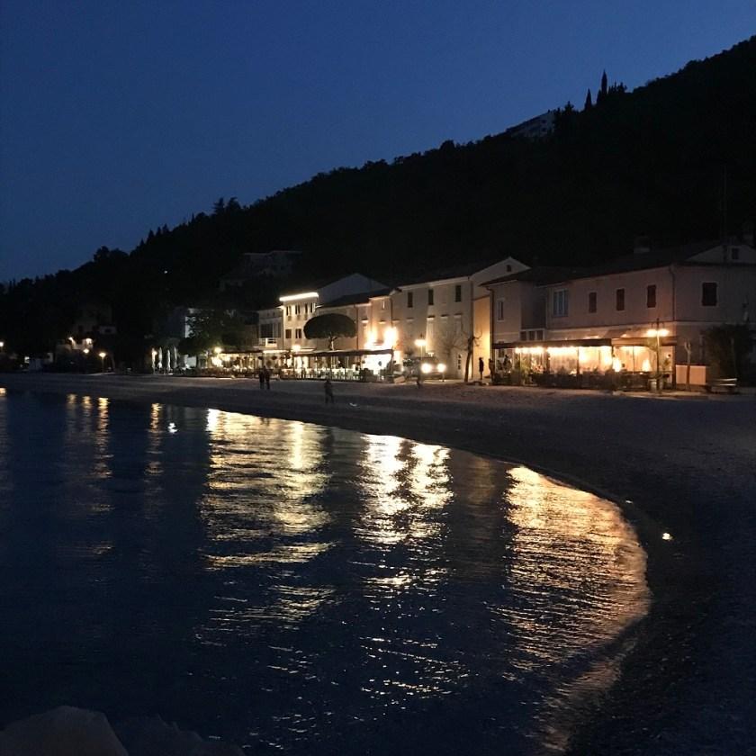 Abendstimmung an der Uferpromenade