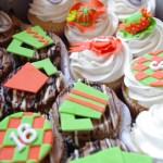 horse racing themed cupcakes, custom made sugar paste decorations