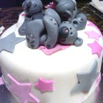 hand made sugarpaste fondant tatty bear, tatty teddies, teddy, baby shower cake