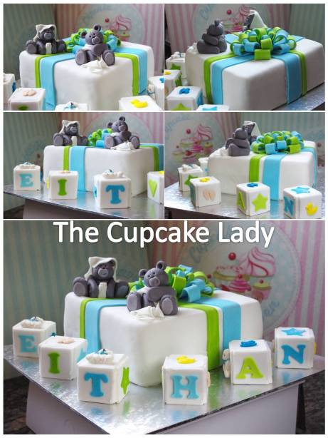 chocolate cake, hand made sugarpaste bears, hand made fondant bears, sugarpaste (fondant) toy blocks, gift cake