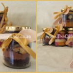Cake artist, sugar artist, Vorna Valley, Midrand. Chocolate-vanilla marble cupcakes and chocolate butter icing, red velvet and vanilla marble cupcakes with cream cheese icing, cupcake-in-a-jar with ribbon and spoon