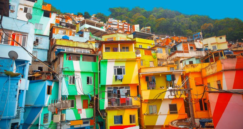 This image has an empty alt attribute; its file name is Favela-Brazil-small.jpg