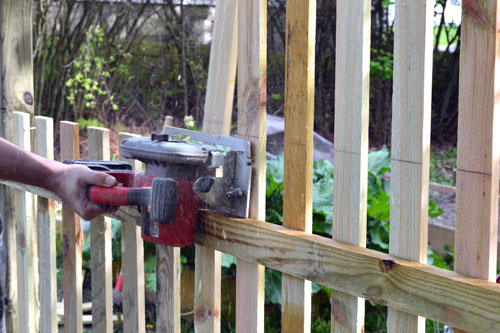 Cut Fence Pickets Level With Circular Saw