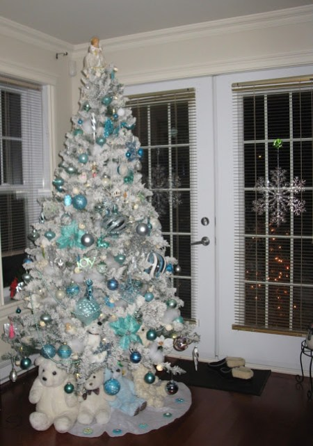 A Christmas Tree in Shades of Turquoise   Thelma Day
