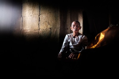 portrait_in_temple_cambodia