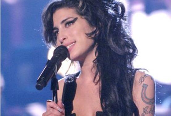 Amy - 3