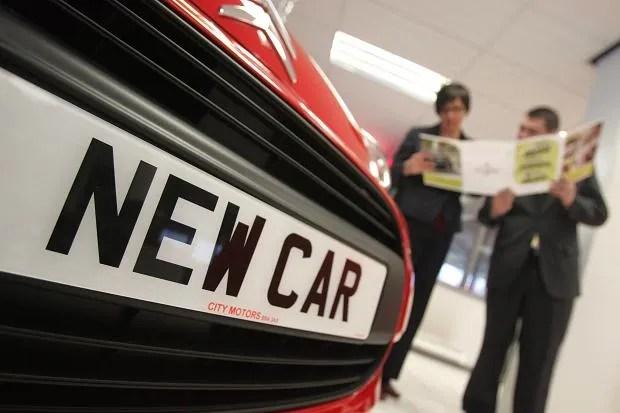 Új autó vásárlása Angliában