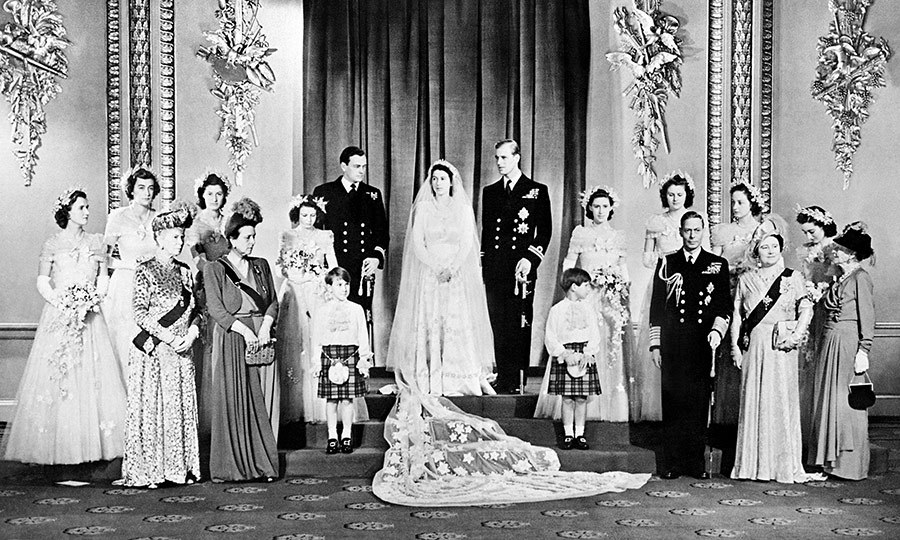 PDF Elizabeth - 1926-1953 - A Princess Becomes Queen