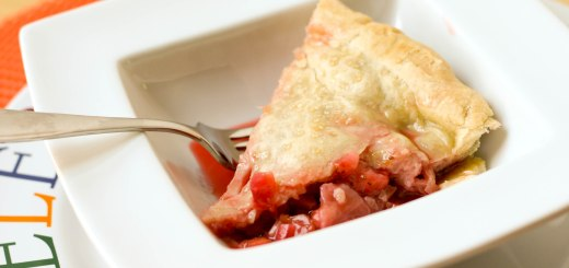 """Guest Post : Kristy from """"Eat, Play, Love"""" featuring Strawberry Rhubarb Pie 1"""