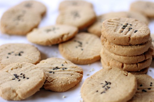 Tahini and Almond Cookies 1