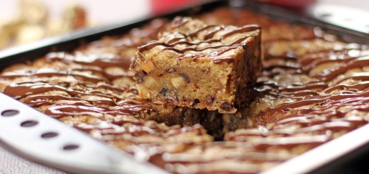 Chewy Almond Roca Cookie Bars 1