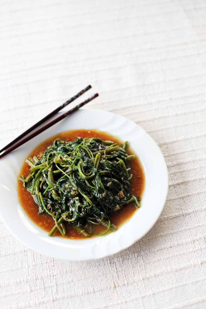 Kangkong in Garlic Sauce