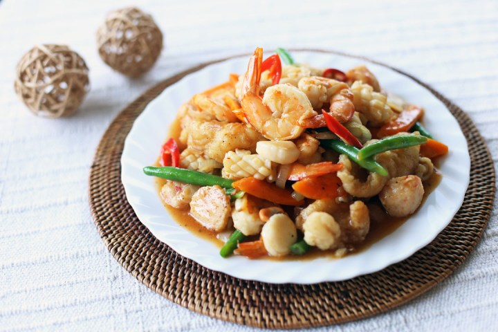 Thai Style Stir Fried Seafood Wide