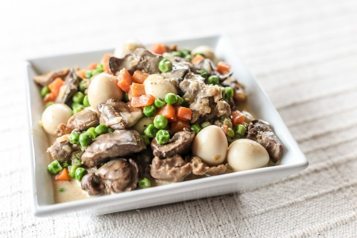 Chicken Liver, Gizzard and Quail Eggs with Green Peas Wide