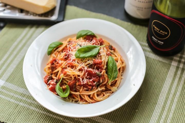 Tomato Sauce Spaghetti Wide