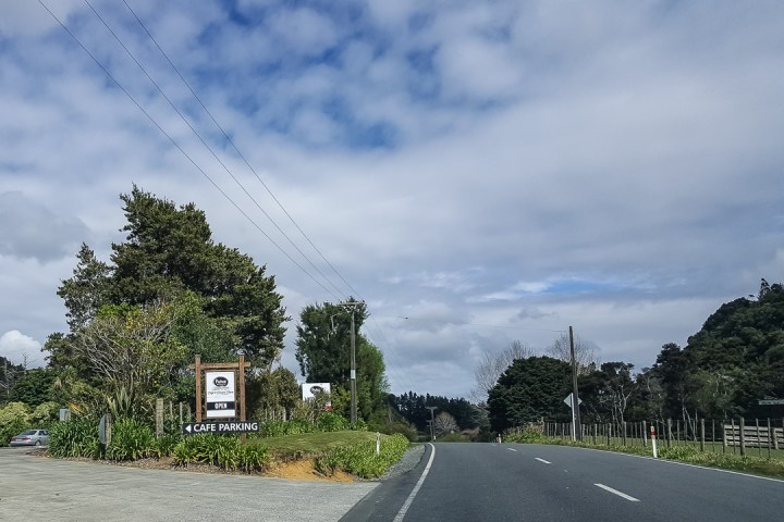 puhoi-valley-cafe-and-cheese-store-01