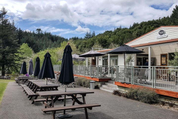 puhoi-valley-cafe-and-cheese-store-03
