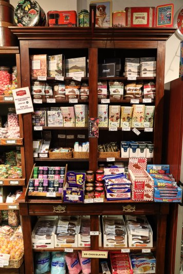 Remarkable Sweet Shop 03