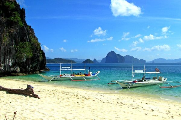 7 Commandos Beach - Ultimate guide to El Nido, Palawan (Philippines)