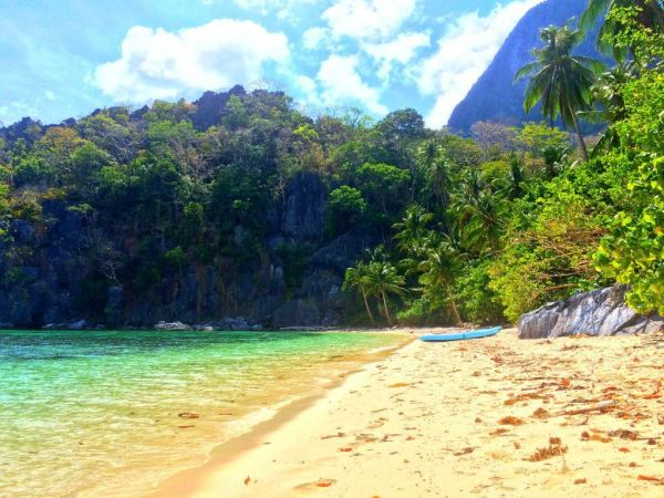 Paradise beach in Cadlao Island - Ultimate guide to El Nido, Palawan (Philippines)