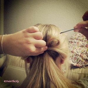 como-hacer-peinado-con-lazo-pelo-lazada-4