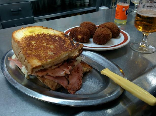zapatilla-bar-melos-lavapies-madrid
