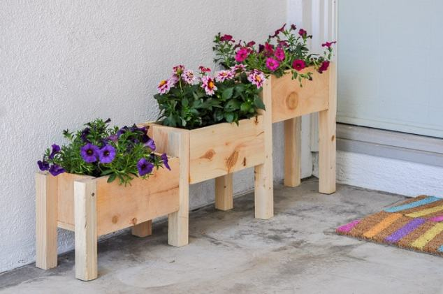 DIY Tiered planter box for $10 - full tutorial, plans and Video!