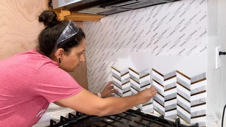 kitchen backsplash using musselbound