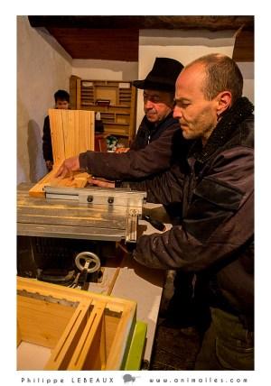 Atelier conception de ruches avec Laurent et Joël et Sarah